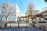 戸塚駅西口周辺の街並 約790m(徒歩10分)