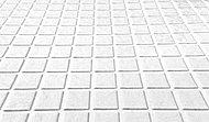 断熱クッション層によって足元のひんやり感を軽減し、滑りにくく、水はけのよりほっカラリ床を採用。畳のような柔らかさが快適です。