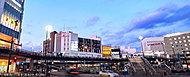 戸塚駅西口の街並 約120m(徒歩2分)
