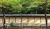 靖国神社 約360m(徒歩5分)