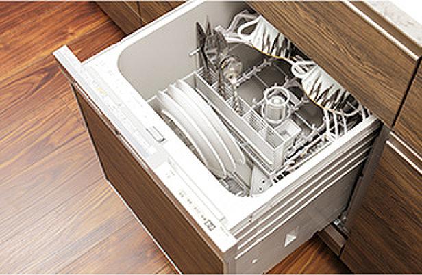 食器洗浄乾燥機(食器が出し入れしやすいスライドオープン式。食後の水仕事を軽減すると共に、手洗いに比べて節水効果も期待できます。)