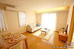 [3号地 内観]平成28年10月撮影 ※写真内の家具・家電・調度品は価格に含まれません。
