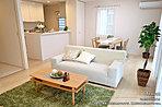 [9号地 内観]平成28年10月撮影 ※写真内の家具は価格に含まれますが、調度品は価格に含まれません。