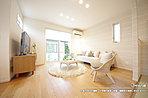 [3号地 内観]平成28年8月撮影 ※写真の家具・調度品は価格に含まれません。