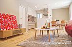 [1号地 内観]平成30年7月撮影 ※写真の家具・調度品は価格に含まれません。