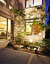 7号モデルハウス。2階への階段スペースにスキップフロアを設置。書斎スペースや家族のコミュニティの場として使える、楽しいアイデア空間です。