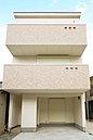 現地モデルハウス「フレンチカジュアルな家」。3階建、4LDKが家具・照明・エアコン付で販売開始です。ぜひご内覧下さい。