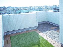 デザイン性と機能性を兼ね備えた屋上バルコニーのある家 朝霞市宮...
