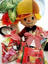 パパママカードご提示でお菓子のプレゼントを差し上げます。