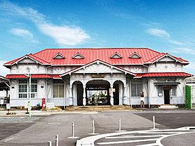 南海本線「浜寺公園」駅徒歩6分(約440m)