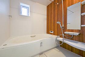 カビ対策にもなる浴室乾燥機付きバスルーム