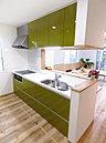 【施工例】対面式システムキッチン、リビングイン階段仕様で家族の会話が生まれます。
