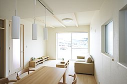 LDKと和室が繋がるオープン空間!(施工例写真)