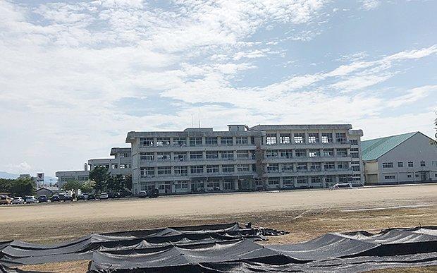 本丸中学校
