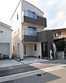 1階がビルトインガレージの3階建てオール電化住宅【アメニティ東大宮】