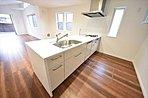 施工例 革新的なデザインと優れた機能性は毎日欠かせないキッチンワークに歓びをプラス