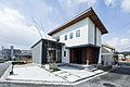 【東広島市高美が丘5丁目】 スタイリッシュな雰囲気に木のぬくもりをプラスした家