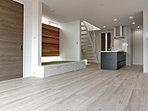 LDK 和室も一体で開放的なリビング