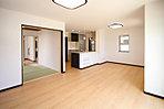 リビング・ダイニングはキッチンと合わせて16.3帖、続き間となる和室で大きな空間を確保できます (No.1)