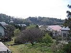 分譲地から望む県立城山公園