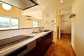 2-1街区 回遊できる家事動線抜群のアイランドキッチン