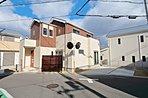 1号地《モデルハウスプラン》4LDK■土地面積/101.17m2■延床面積/107.75m2■南面に広い間口を活かし、2階を南面4室とした明るい住まい。