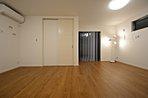 洋室続き間をご用意しました。将来的に2部屋に分けてもよし、広い寝室として利用してもよし。