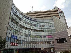 JR総武線下総中山駅前の商業ビル、ミレミティです。