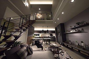 「もっと男前の家」モデルハウス 公開中! 塩系男前コーディネート! 22帖のLDKから、吹抜け・スケルトン階段・和室・ロジアへとつながってビッグな空間に!