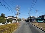 ●物件の近隣環境です。前原駅まで徒歩10分、そこから約6分でJR津田沼駅、のぼり快速電車始発利用で楽々通勤!徒歩2分の場所にJR津田沼駅行きのバス停が、始発なので座って行けます。