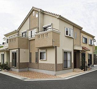 落ち着いた色彩で統一、長く住む家ですから後々のメンテナンスにも配慮しています。