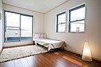 寝室や各お部屋にもクロゼットをしっかり完備。寝室にもバルコニーがついているので、お布団を干すのにも便利です。
