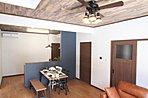 対面式キッチンにはカウンターを設置してホームバーとしての利用も!(62号地)