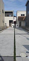 L棟外観完成予想パース 屋上庭園付きのプランです 駐車3台可能、北側にも勝手口があり買い物の際は北側にとめてパントリーに直通です