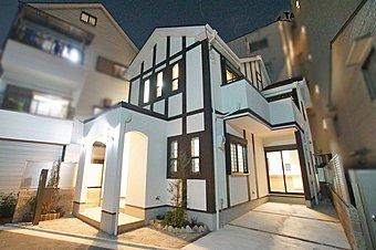 「設計士と創り出す魅力の住まい」 美しく印象的な外観デザイン