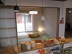 ◆当社モデルハウス◆ キッチンから和室が見えるように配置♪