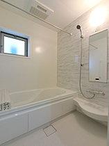システムバス (浴室暖房乾燥機付き)