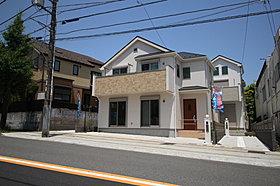 穏やかな雰囲気漂う住宅街に立地、全2棟 新築分譲住宅