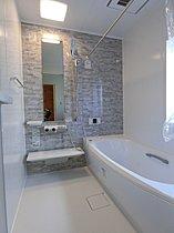 浴槽、床、壁、カウンターなどなど色が選べます