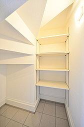 (施工例)玄関直結の収納スペースでいつも整理された空間を維持