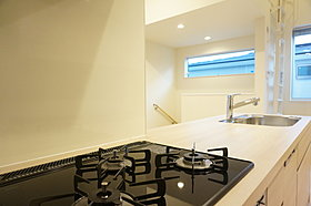 キッチン施工例(実際の間取り・色とは異なります)
