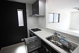 1号棟:家事の負担を軽減する食器洗浄乾燥機付きのキッチン☆