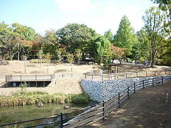 学研都市線長尾駅から徒歩12分 閑静な住宅街の分譲地です