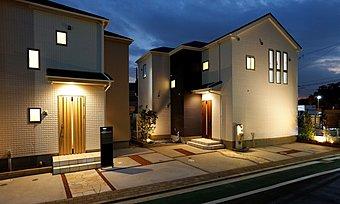 外壁は人気の旭化成パワーボード仕様!厚みのある壁で高級感が漂います!