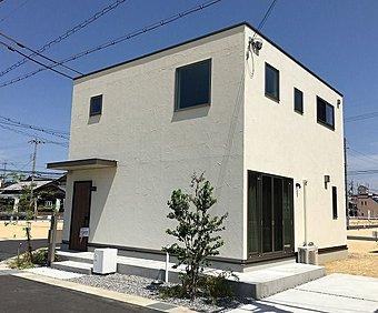 JR貴生川駅徒歩5分のビッグタウン内!