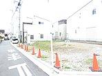 全区画34坪以上、駐車スペース2~3台のゆとりある明るい立地。