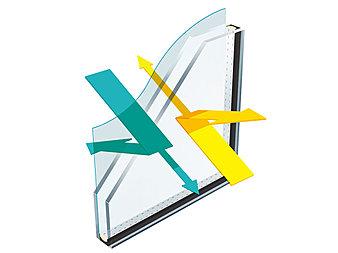 複層ガラスの室外側または室内側の中空層面に特殊金属加工を施した「Low-E複層ガラス」を全室の窓に設置。遮熱・断熱性が高く、紫外線や窓からの熱気を大幅にカットし、冷暖房効率を高めます。