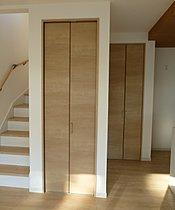 (40号棟)リビング階段に大容量パントリー