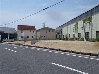 前面道路(北東から撮影)撮影日:平成28年8月