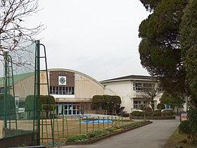 飯野小校区で、教育面・医療面の支援も充実!